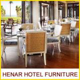 Mobilia di legno della Tabella pranzante della presidenza di vimini per il caffè del ristorante