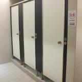 Душевая кабинка ламината высокого давления в тренажерный зал