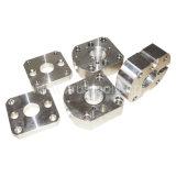 CNC que trabaja a máquina la pieza del aluminio de la pieza del acero inoxidable
