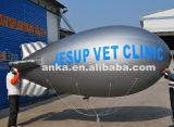 Piccolo dirigibile gigante dell'aerostato di Inflatale per fare pubblicità