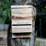 Casa de madera al aire libre de la insignia de encargo pequeña para los fallos de funcionamiento de los palos