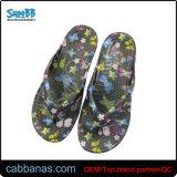De Pantoffels van de Wipschakelaars van het Strand van EVA van de injectie met BloemenDruk voor Vrouwen