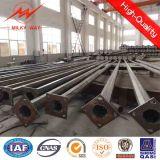 L'acier galvanisé Q235 15m 20m 30m de la lumière de la rue des poteaux avec bras transversal