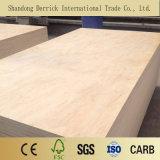 El contrachapado de madera de pino para la decoración