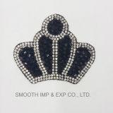 パッチのビードのアクセサリの方法王冠の形の刺繍のラインストーンの鉄