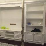 Hölzerne Garderoben-Wandschränke