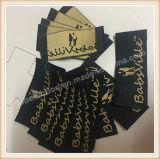 Étiquettes tissées par étiquette de vêtement de logo estampées par coutume pour le vêtement