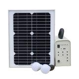 30W USBおよび球根が付いている太陽照明ホームシステム