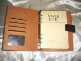 高品質のペーパーノートが付いている革上表紙のノート
