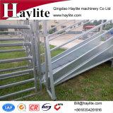 Rampa de carregamento portátil forte personalizada fábrica do gado do cavalo dos carneiros do metal da alta qualidade do OEM de Nzs com porta de deslizamento