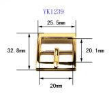 La boucle de courroie centrale en alliage de zinc de Pin de boucle de barre en métal chaud de vente pour le vêtement chausse les sacs à main (YK1214-1301)