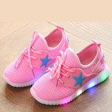 Zapatos recargables corrientes de la simulación LED de la luz de las muchachas que contellean