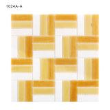 Strati decorativi delle mattonelle di mosaico di vetro macchiato di disegno di arte della cucina
