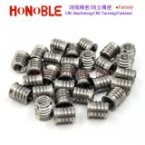 Noix filetée auto-fileteuse d'acier inoxydable pour le métal