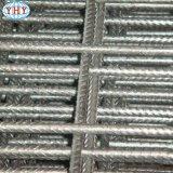 Metallineinander greifen für das konkrete Gebäude, das Ineinander greifen verstärkt