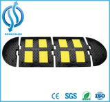 Chepa de goma de la velocidad con la partición reflexiva amarilla