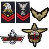 Rango militar el hierro en parches para la ropa bordada, el ejército estadounidense en el aire de las Fuerzas Especiales alas estrellas DIY Bandolera insignia de prendas de vestir (YB-E-025)