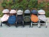 ein neues Licht und breite Sorgfalt eine Baby-Spaziergänger-Unterstützungs-Soem-Yoya (breit)