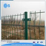 Curvel PVCは電流を通された3D Curvelによって溶接された金網の塀に塗った