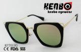 Óculos de sol com frame plástico preto Kp70193