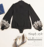 Chemise femelle personnalisée faite de vêtement de mode en soie de broderie