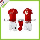 Les sports faits sur commande sublimés portent l'uniforme du football des hommes en gros