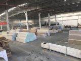 Modèle en plastique de plafond de PVC de panneau de laminage de matériaux de construction, panneau de mur décoratif
