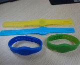 Bracelete esperto do silicone de RFID para o sistema do controle de acesso