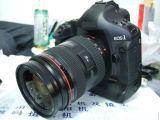 цифровая камера (EOS 1ds отметьте III)