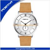 O relógio o mais novo de quartzo do projeto para homens com a faixa do couro genuíno