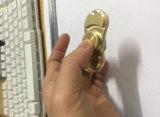 Pezzo meccanico su ordine d'ottone di CNC con lanciare per i giocattoli della girobussola