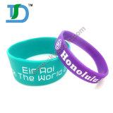 Il più nuovo progettare il Wristband per il cliente variopinto del silicone