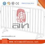 Barrière de barrière temporaire en mousse métallique pour route