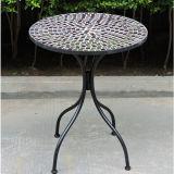 Muebles determinados del jardín de los bistros del mosaico del hierro labrado