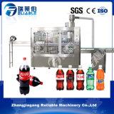 Máquina de rellenar plástica automática llena del agua de soda de la botella