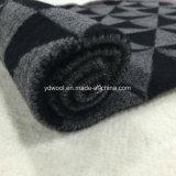 Триангулярная ткань шерстей проверки в готовом
