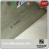 Plancher antidérapage imperméable à l'eau de vinyle de PVC de biens
