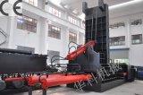 Hydrautic verwendetes Auto, das Ballenpreßmaschine aufbereitet