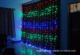 A cortina da cachoeira do Natal ilumina a luz da decoração do diodo emissor de luz