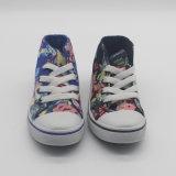 中国の卸し売り花の印刷の中間の切口はキャンバスの偶然靴をからかう