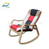 Altamente - recomendado relaxar a cadeira de balanço de madeira