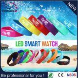Plus nouvelle montre en caoutchouc colorée promotionnelle du silicone LED de la Chine (DC-611)