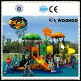 Les enfants jouent ensemble Playzone Parc de loisirs de plein air de diapositives en plastique