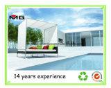 최신 판매 등나무 기초 고리버들 세공 가구를 가진 천막에 있는 백색 Textilene 옥외 침대 겸용 소파