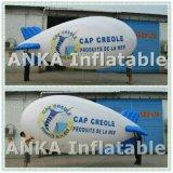 Lo Zeppelin gonfiabile dell'elio Balloons l'esposizione dell'interno