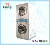 Machine à laver de matériel de blanchisserie trois à jetons dans une pour des vêtements