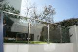 Balaustra di vetro esterna sul Decking con il comitato dell'inferriata di vetro Tempered