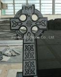 Черная надгробная плита конструкции кельтского креста гранита