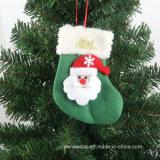El árbol de navidad pega el colgante