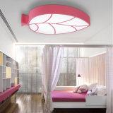Lâmpada creativa moderna do teto do diodo emissor de luz da forma da folha de plátano